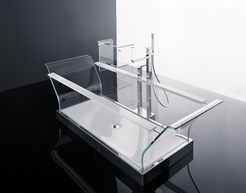<p>Banheira Sense 1</p><p>Banheira em vidro temperado de 12 mm, com perfis brancos ou pretos.  Disponível com dimensão de 200x78x66  </p>