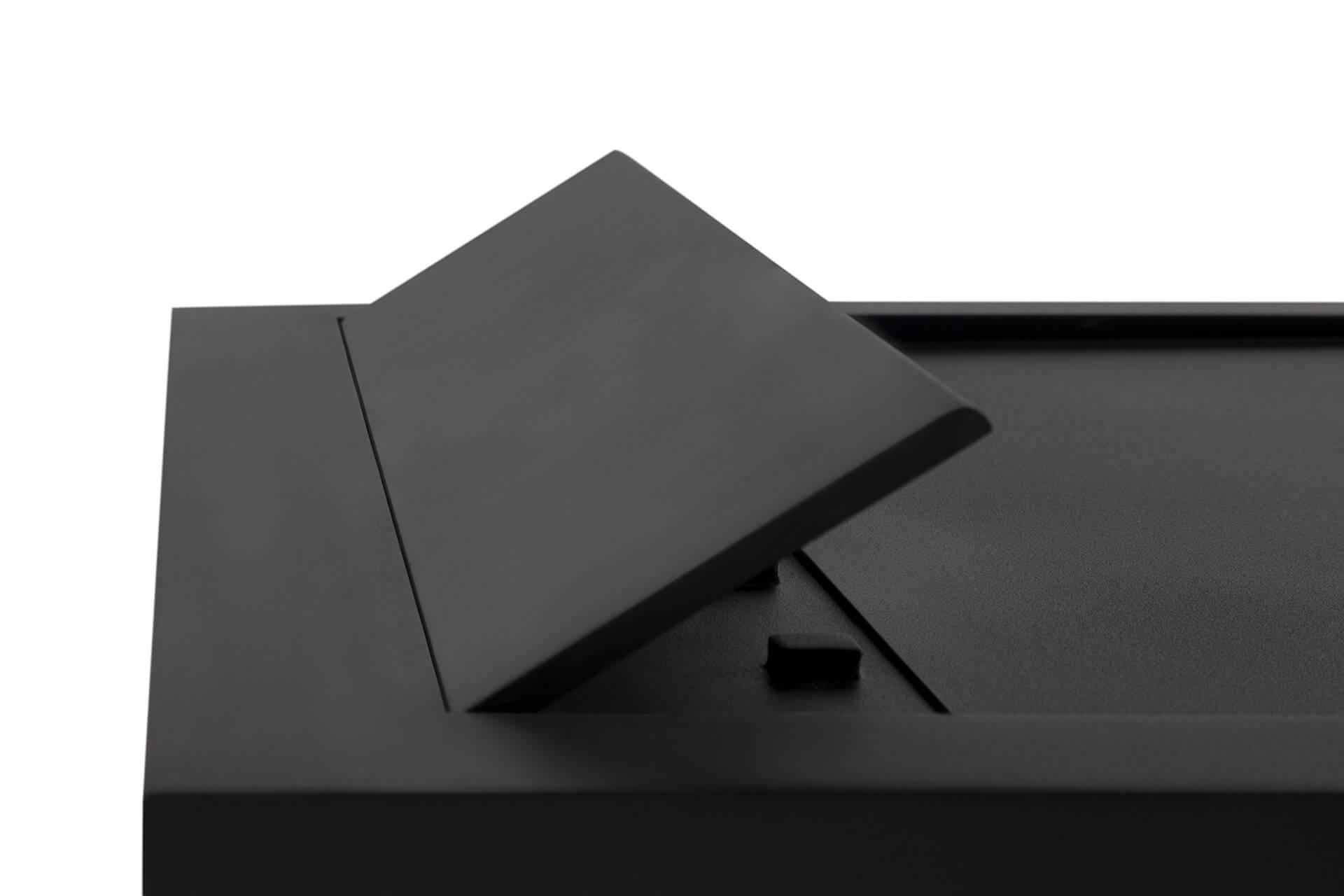 <p>Base Chuveiro Restone Hidden</p><p>Base de chuveiro com 3 cm de espessura composta por uma combinação de resinas e cargas minerais naturais, proporcionando um acabamento resistente, não poroso e homogéneo.  Disponível em qualquer cor (pode ser feita a partir de RAL) e em qualquer tamanho    </p>